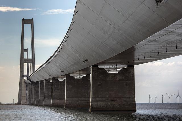Stora baltbron webb