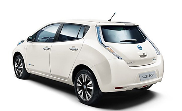 NISSAN-LEAF-REAR-VIEW2