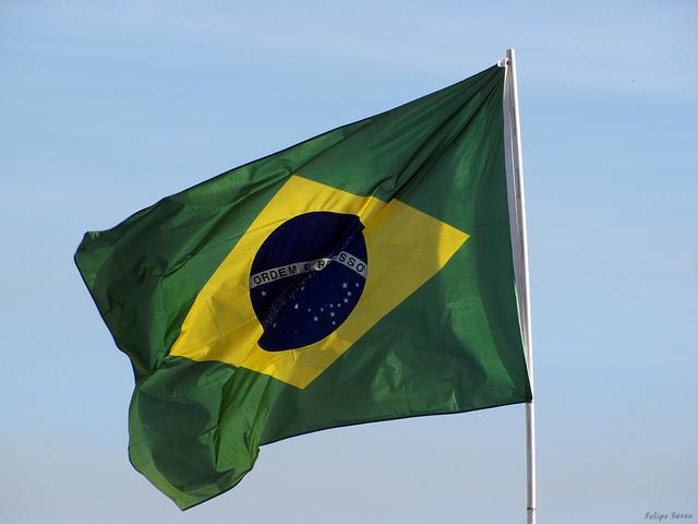 Brasilien flagga Felipe Sasso