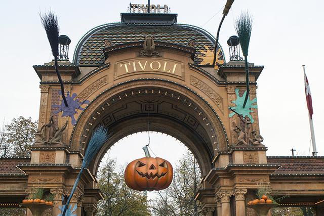 Tivoli Halloween webb