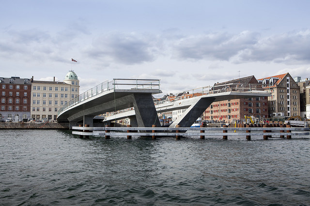 Inderhavnsbroen webb